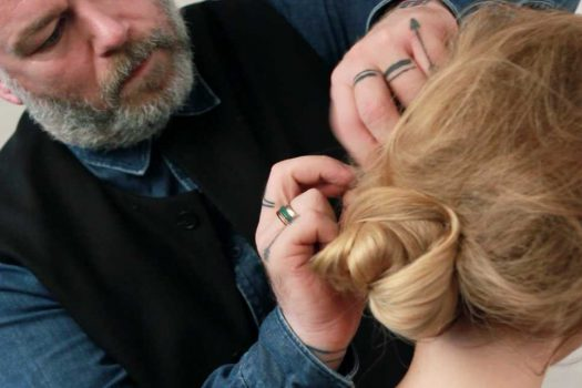 A gorgeous updo using only two hair grips? That's right.
